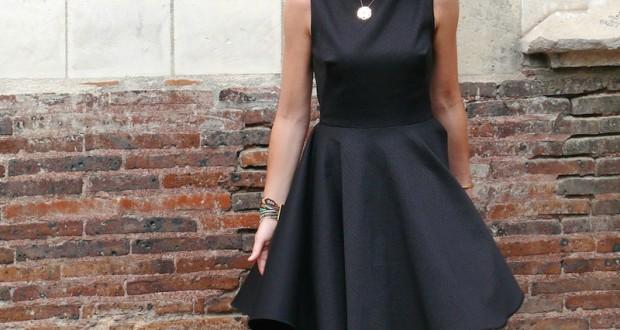Image pour espace-bienetre robe-de-cocktail-noire